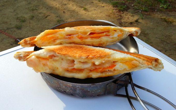 ホットサンド(ハムチーズエッグ)