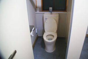 なみのこ村のトイレ6