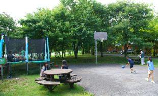 トランポリン広場のバスケットゴール