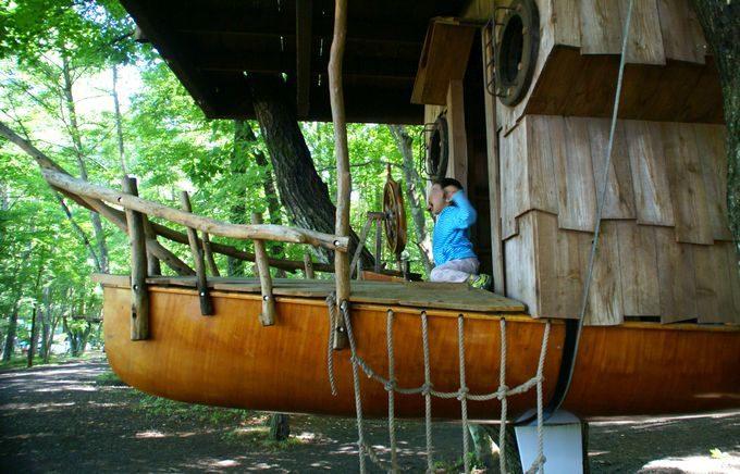 ツリーハウス・ノアにある船の舵