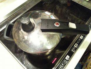 圧力鍋で栗を茹でる2