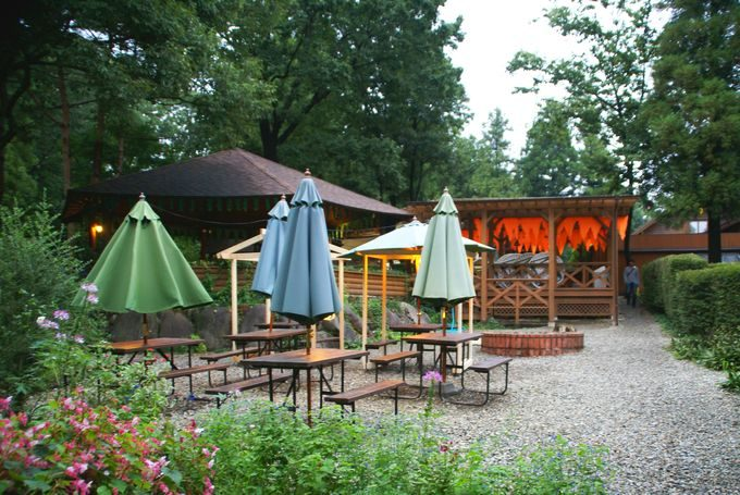 キャンパーズキッチン下の庭