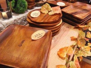 木製の食器(C&Cロゴ入り)