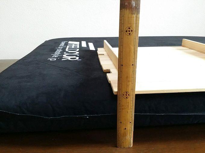FIELDOOR車中泊マットの厚みは10cm
