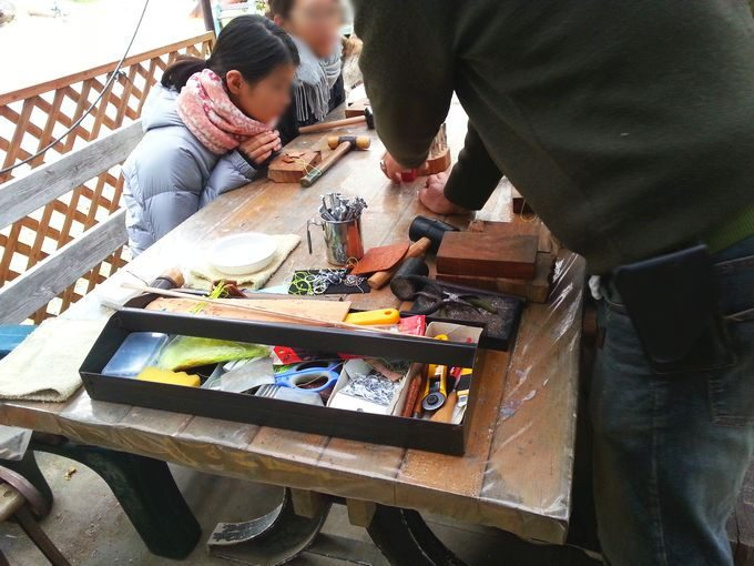 オートキャンプ・フルーツ村 レザーストラップつくり体験教室