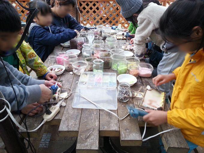 オートキャンプ・フルーツ村 オリジナルプレートつくり 体験教室