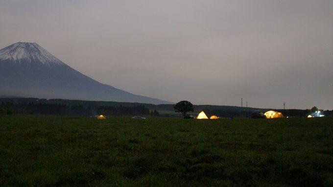 ふもとっぱらと夜のテント