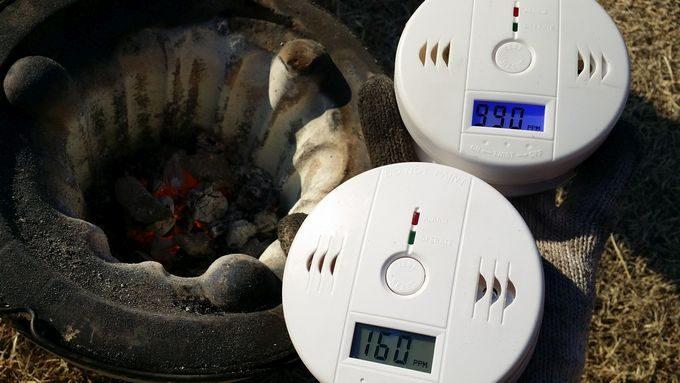 一酸化炭素警報器の動作タイミングの違い