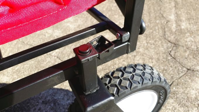キャリーカートの前輪タイヤ