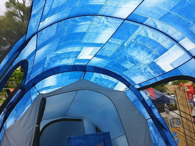 コールマン トンネル2ルームハウス/LDX デニムのテント内