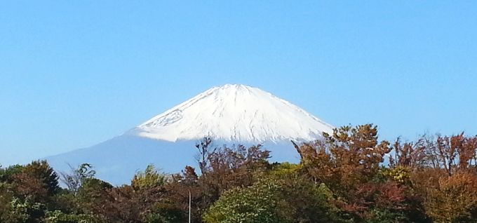 朝霧高原空眺める富士山