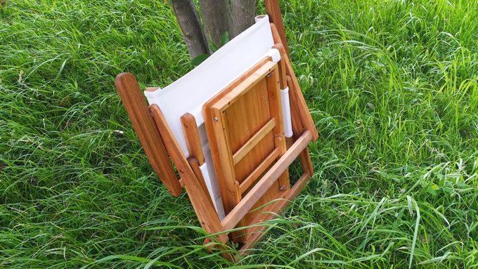 ニトリの木製ローチェアとバカンスのバンブーテーブルを収納
