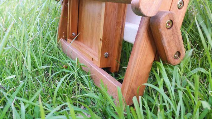 ニトリの木製ローチェアとバカンスのバンブーテーブルを収納(下部)
