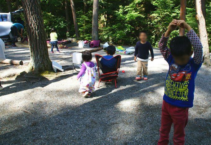 撤収中に子供は遊ぶ