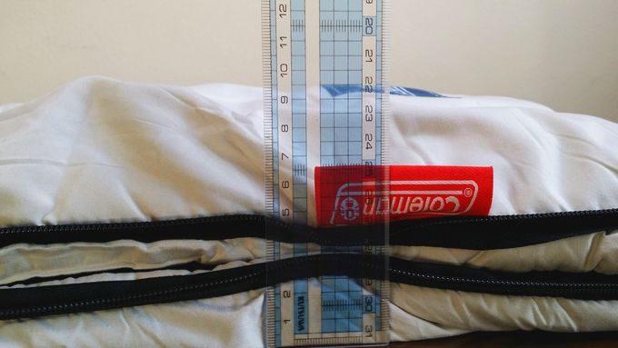 コールマンの寝袋 フリースフットイージーキャリースリーピングバック/C0 の厚さ
