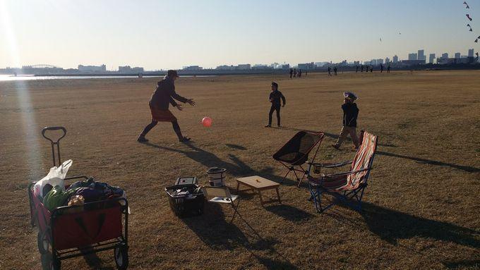 家族でボール遊び