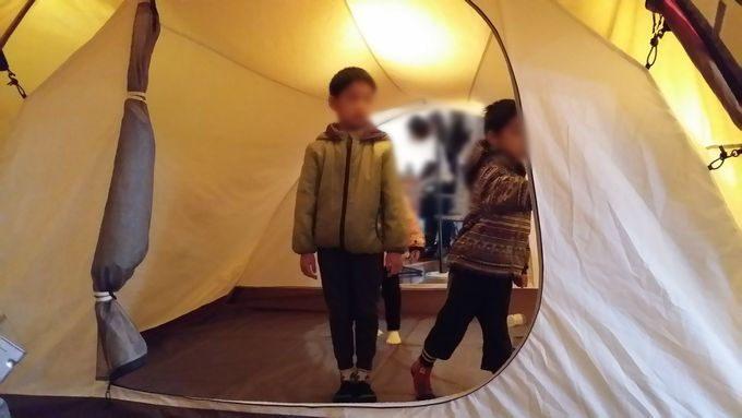 ヴォールトのテント内の高さは子供だと立てるサイズ