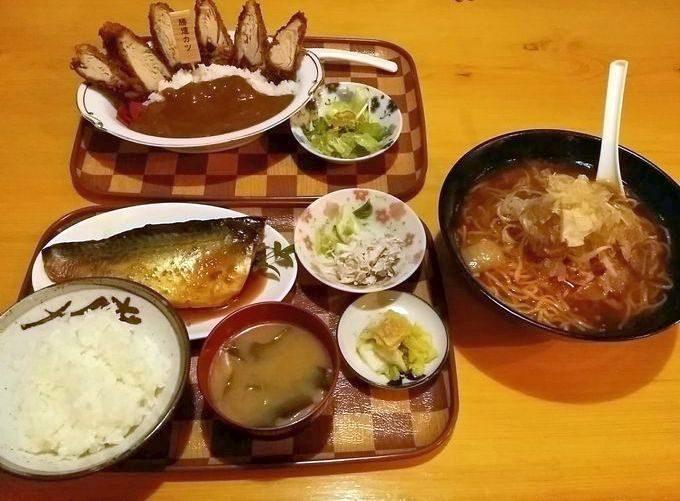 勝浦タンタン麺、カツオのカツカレー、サバの味噌煮