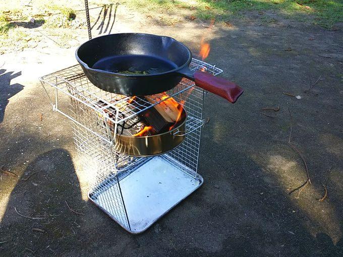 100均で自作した焚き火台でスキレット調理