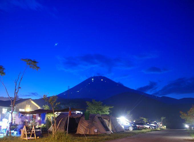 キャンピカ富士ぐりんぱの夜景