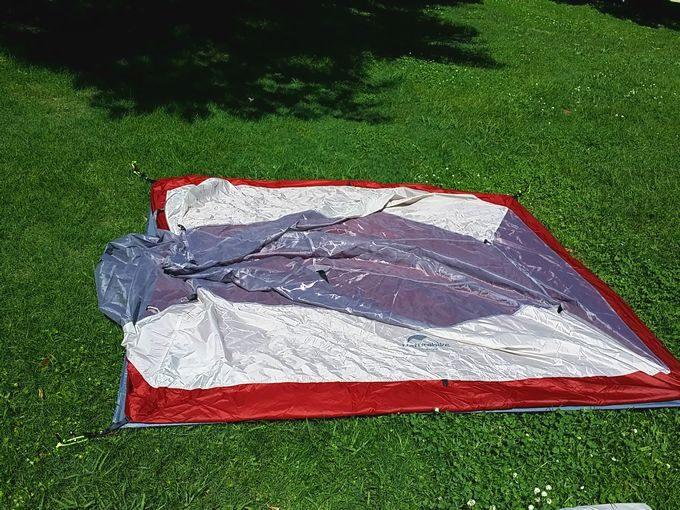 ネイチャーハイクのテントを設営 インナーテントを敷く