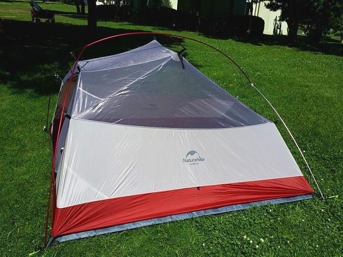 ネイチャーハイクのテントを設営 インナーテントが完成