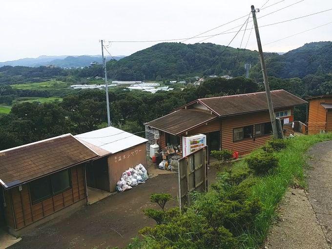 オレンジ村の管理棟の風景