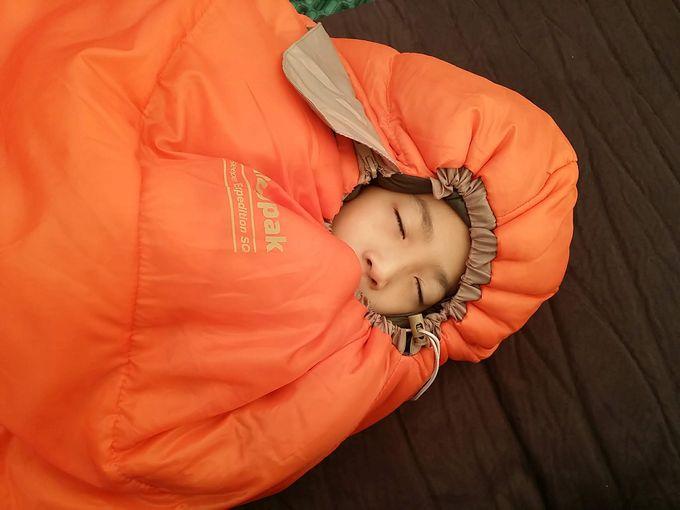 Snugpak(スナグパック) 寝袋 スリーパーエクスペディション スクエア ライトハンド ドローコードを絞って寝る