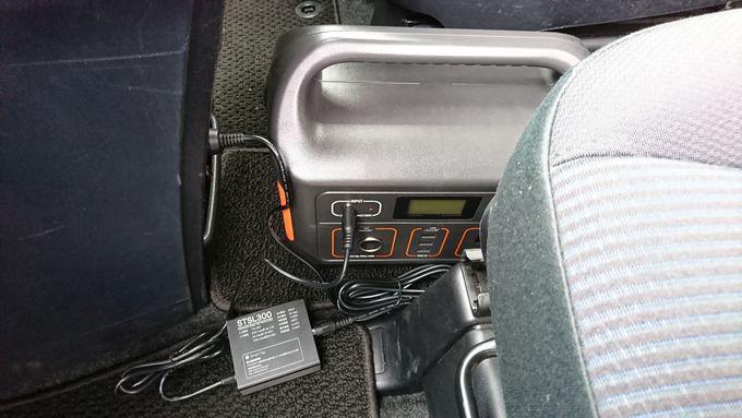 PowerArQをシガーソケットで充電