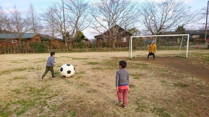 イレブンオートキャンプパークでサッカー