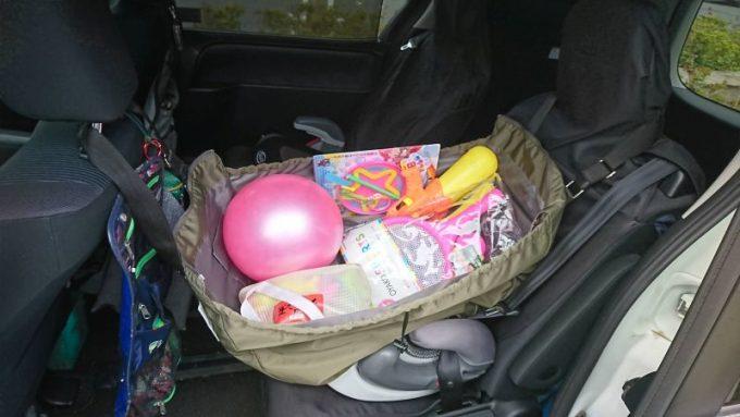 フェリシモのレジカゴリュックの車での使い方 後部座席
