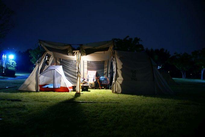 ルーメナー2のテント内での明るさ