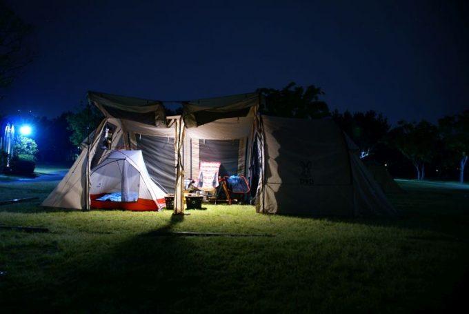 ルーメナー7のテント内での明るさ