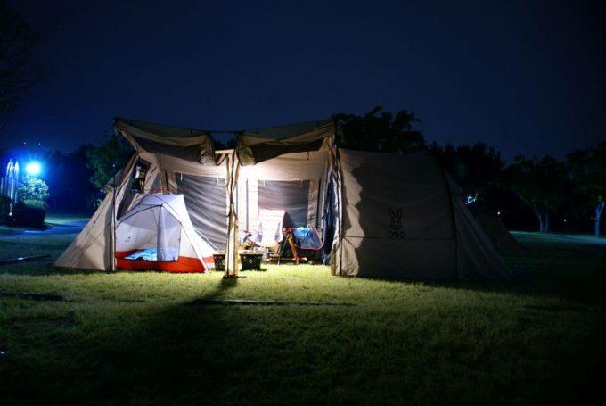 ルーメナープラスのテント内での明るさ