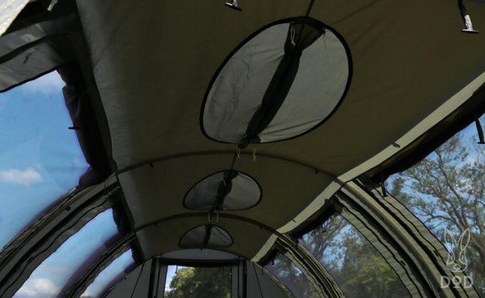 カマボコテント クエ(KUE) 天井のベンチレーション