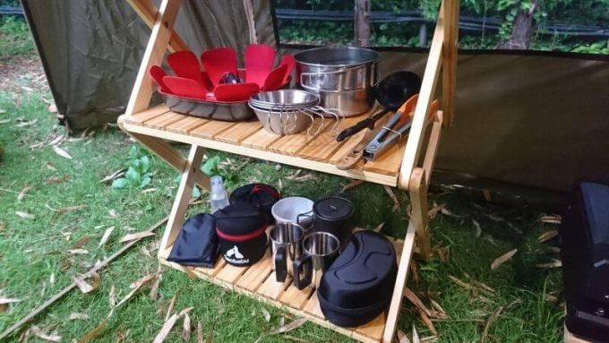 ベルメゾンの簡単に折りたためるラックは調理器具を収納