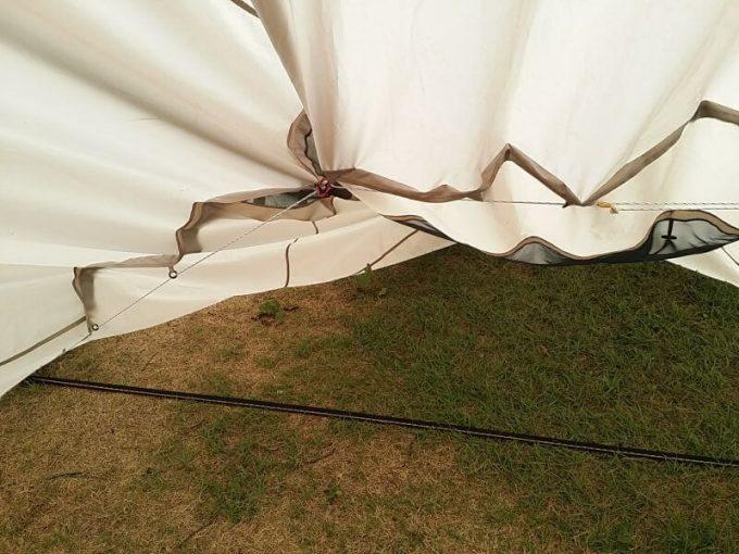 テントを縮小して張る(内側)