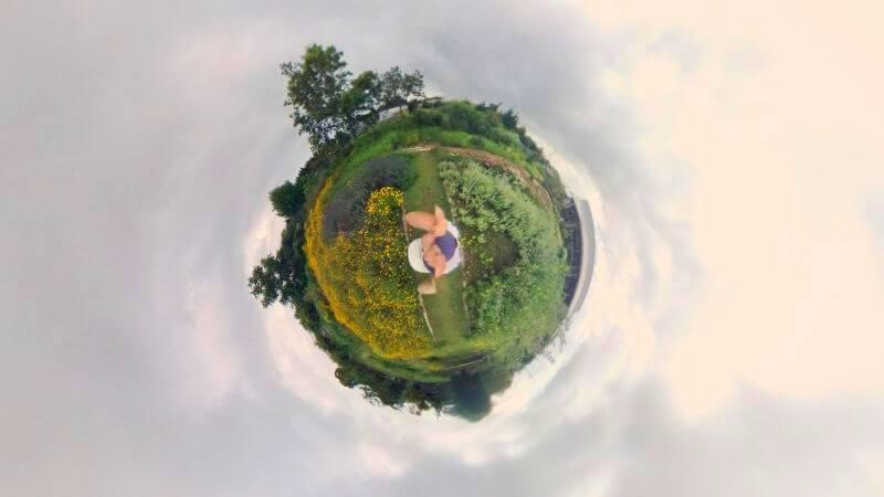 PanoClipのSNAP-ON 360°LENSで撮った写真(地球儀)