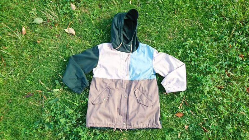 リブ イン コンフォート×魅惑のキャンプ 綿素材にこだわった配色パーカー
