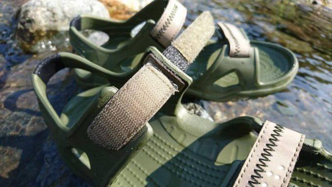 クロックス(crocs)のスウィフトウォーターリバーサンダルのベルト