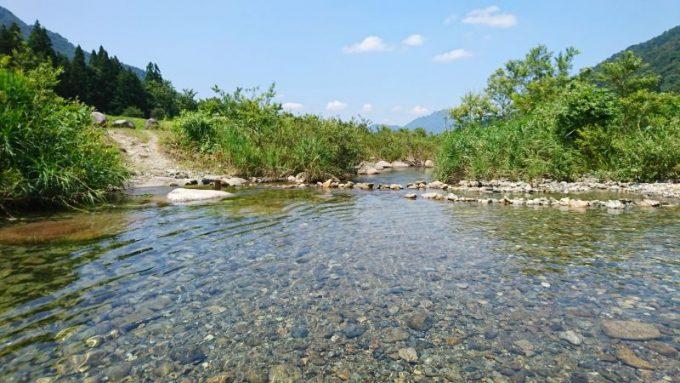 毛渡沢の川