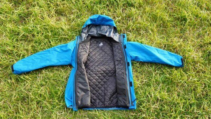 ワークマンの3in1(スリーインワン)防水防寒ジャケットとインナーをセットで使用