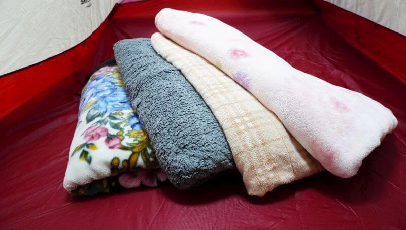 キャンプで使っている毛布