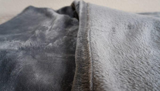 EMME マイクロファイバー毛布の生地の質感