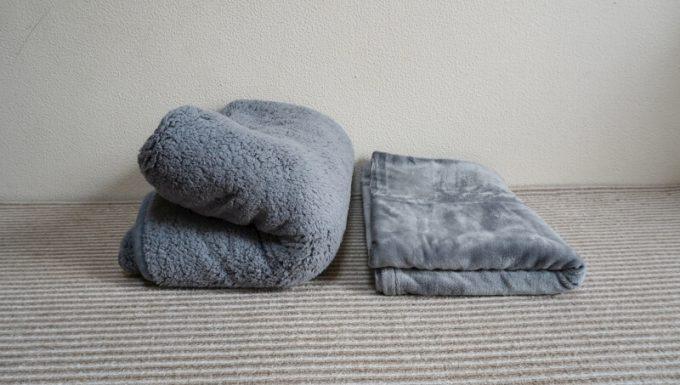 EMME マイクロファイバー毛布とREINのシープボア毛布のボリュームを比較
