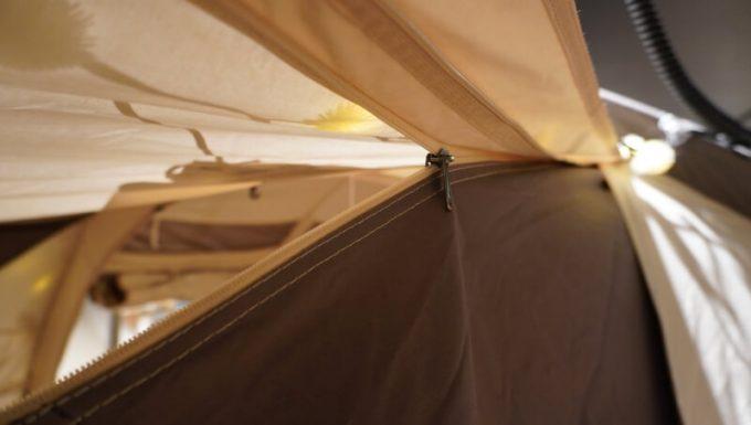 ノルディスク レイサ6レガシーのフロントパネルのサイドウォール開閉ジッパー
