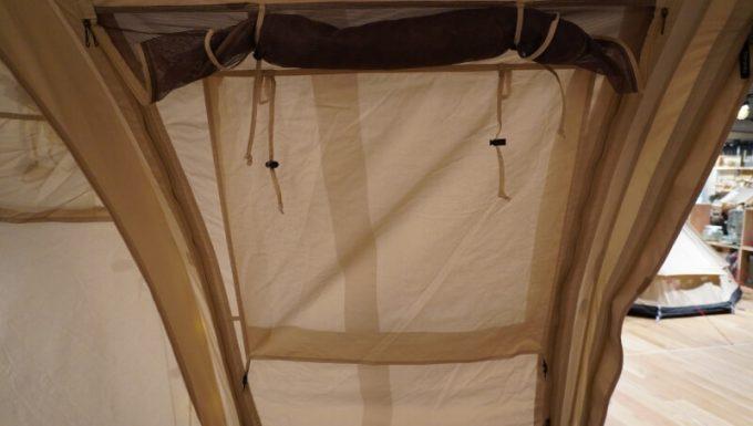 ノルディスク レイサ6レガシーのサイドパネルの窓(カーテン)