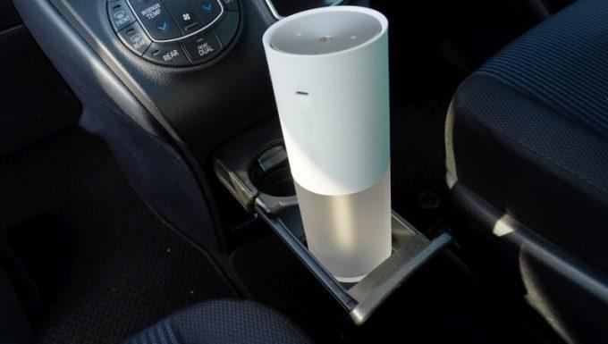 車(VOXY)のドリンクホルダー(大口)にLUMENA加湿器(H2)には入る