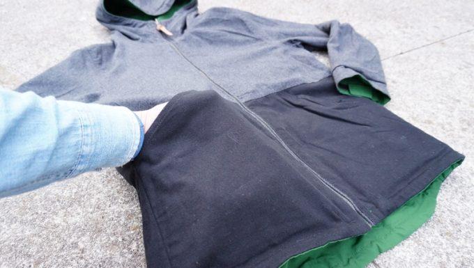grn(ジーアールエヌ)マウンテンパーカーのリバース側のポケット