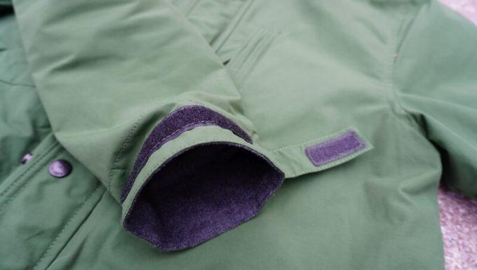 grn(ジーアールエヌ)マウンテンパーカー袖のサイズ調整